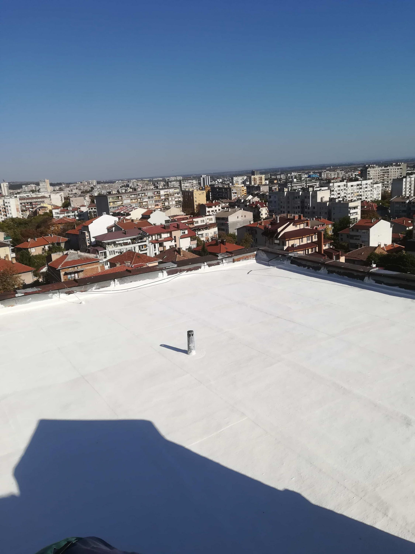 течна гума за покриви
