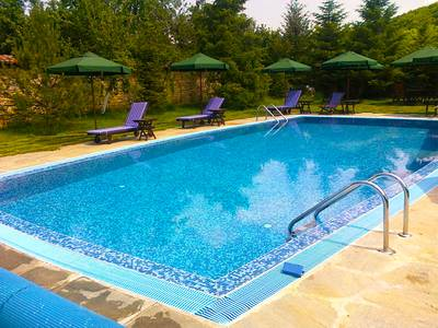 pool-summer