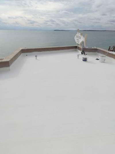 акрилна хидроизолация, хидроизолация на покриви с течна гума