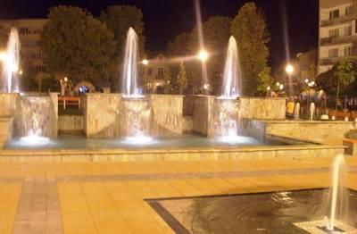 светлини на фонтани